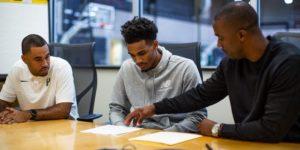 Dejounte Murray signe son contrat NBA de 64 millions de dollars sur 4 ans