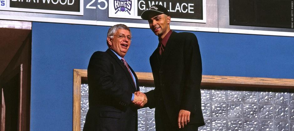 David Stern ne le sait pas encore, mais le 27ème choix de la Draft 2001 est l'un des plus gros steal de l'histoire.